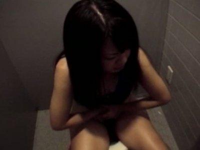 Japanese cutie Aya Matsuyuki gives a head in toilet